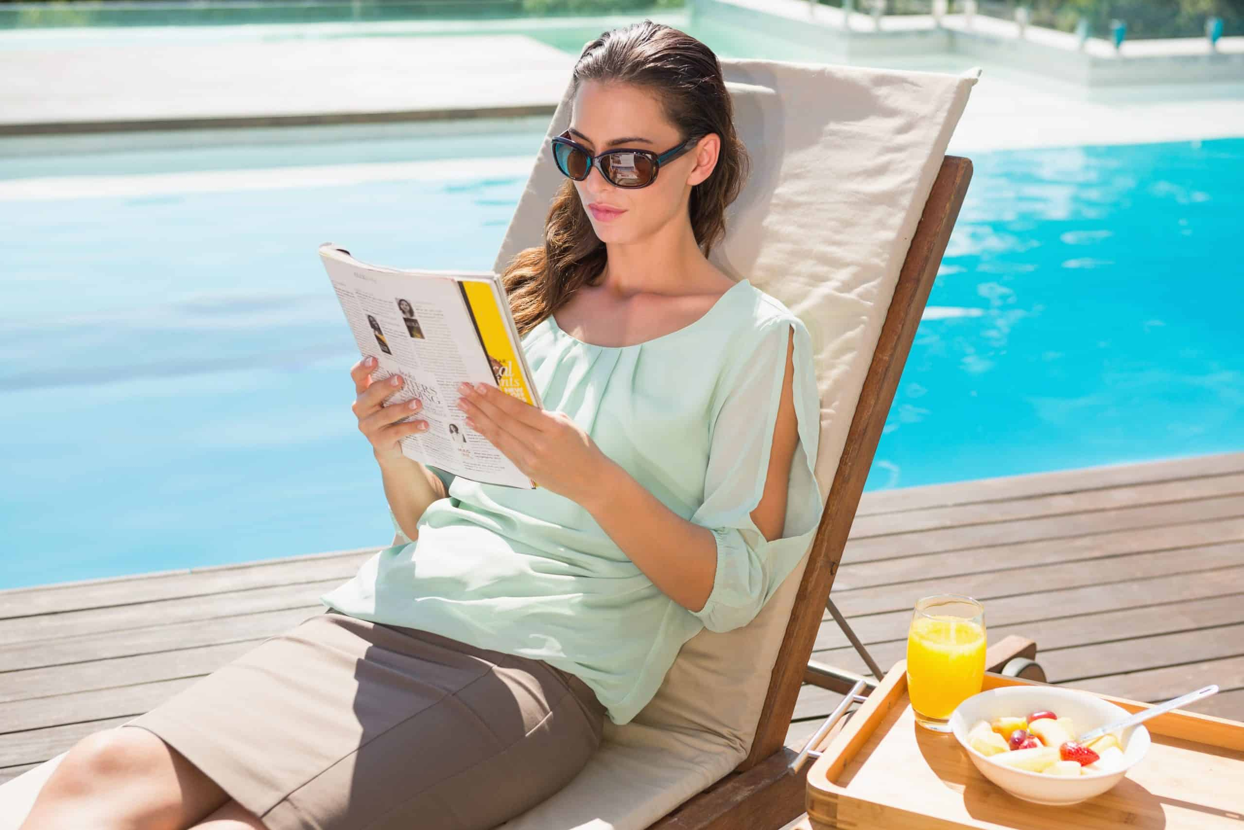 Reading-With-Sunglasses-Womens-Reading-Sunglasses