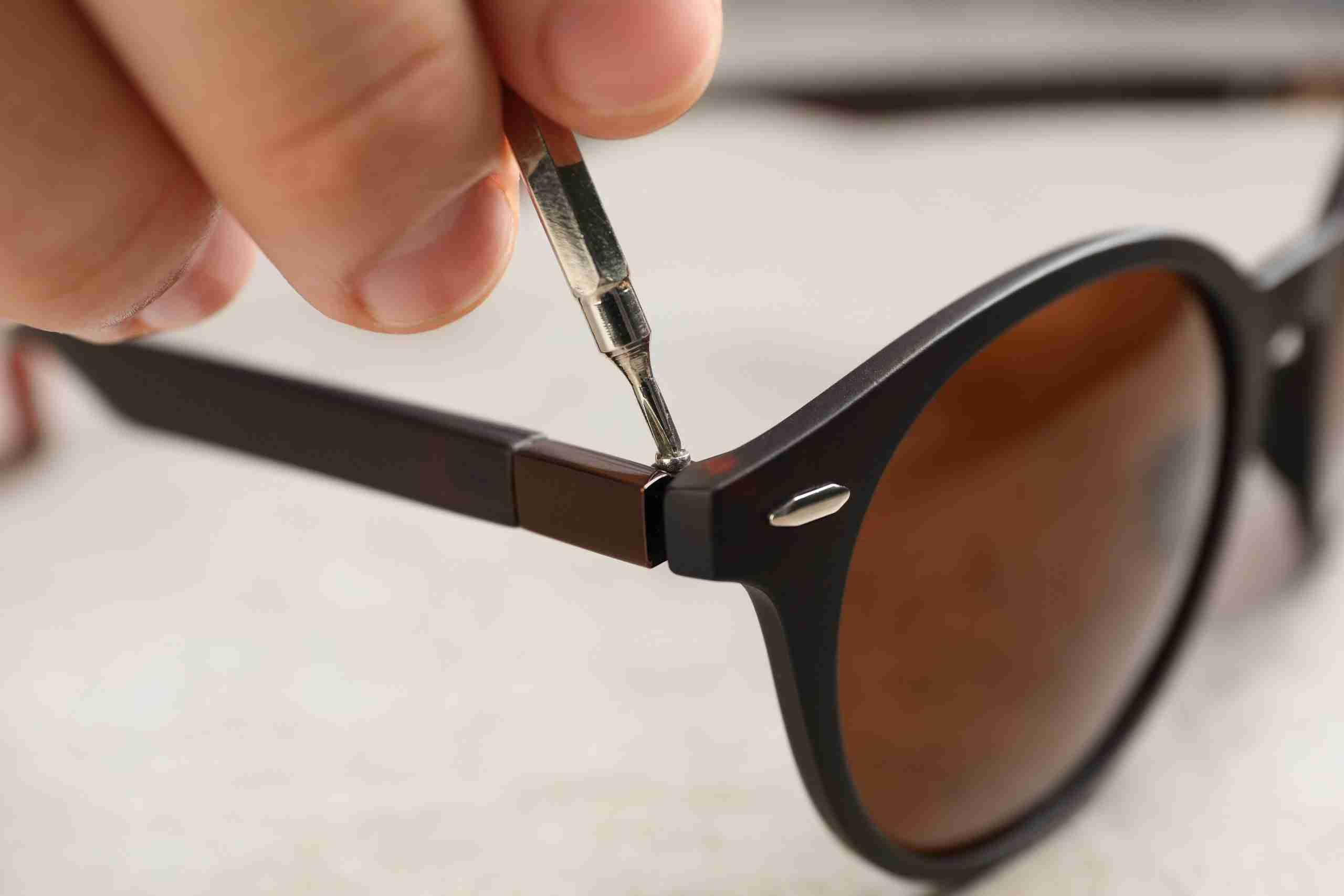 Mass-Vision-Eyewear-Spring-Hinges